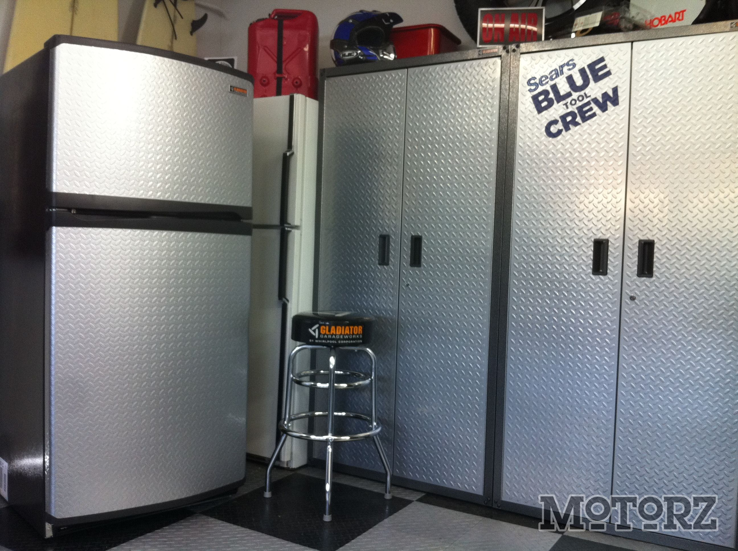 Gladiator Garage Man Cave : Chillin on earth day with the gladiator chillerator