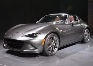 2017-Mazda-MX-5-Miata-RF-front-three-quarter-01