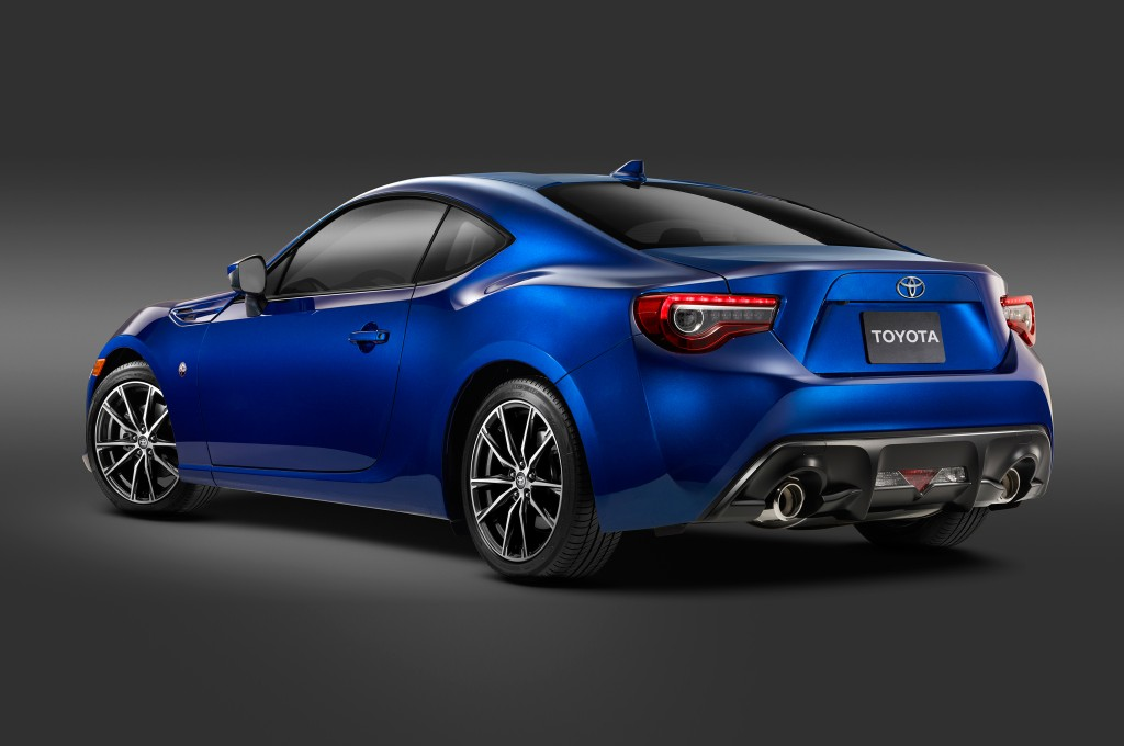 2017-Toyota-86-rear-three-quarter